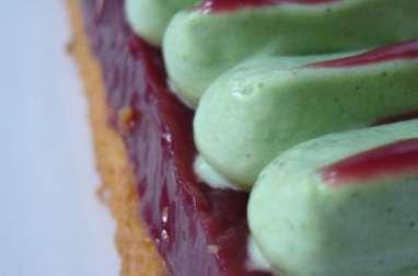 Entremets framboises pistache sur sablé verveine