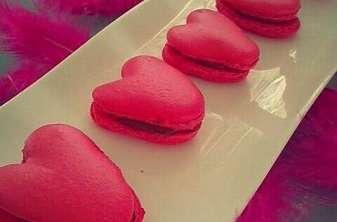 Macaron coeur à la ganache montée chocolat framboise
