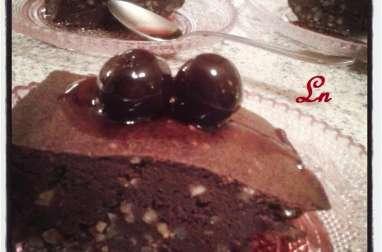 Fondant au chocolat sans beurre, amandes hachées et cerises séchées