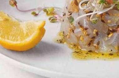 Tartare de dorade aux petites graines et aux germes de radis vert germées