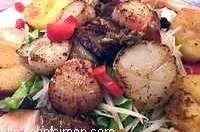 Salade de saint Jacques et radis noir sauce betterave