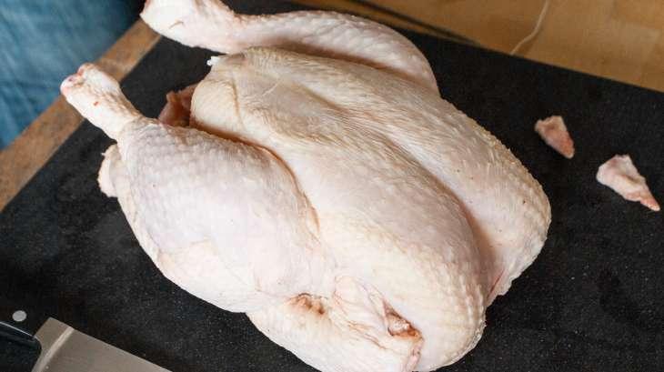 Découper une volaille à cru en 4 ou 8 morceaux - la découpe des cuisses