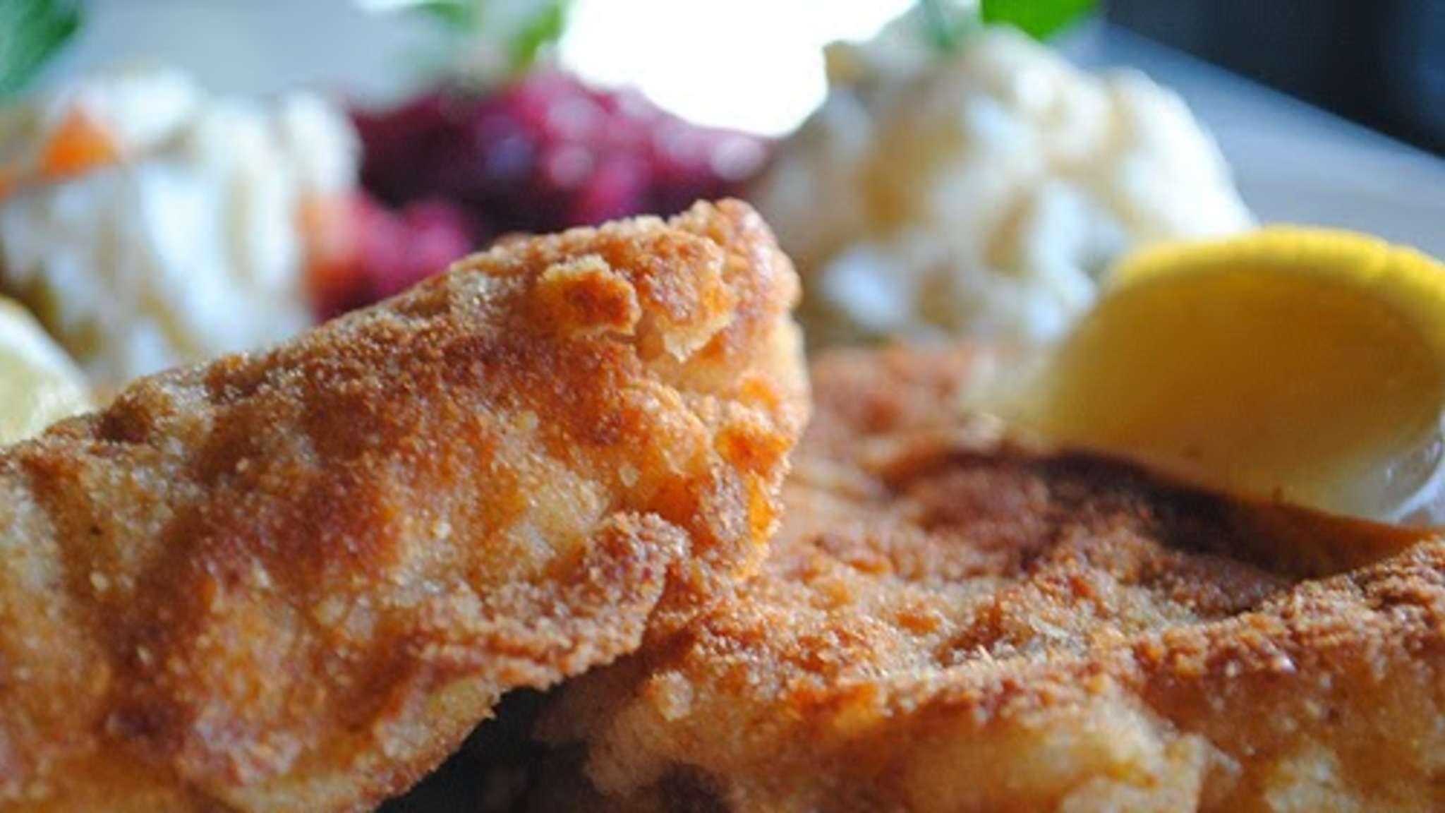 Foie de veau, pané, sauce vin blanc, écrasé de pommes de terre aux oeufs