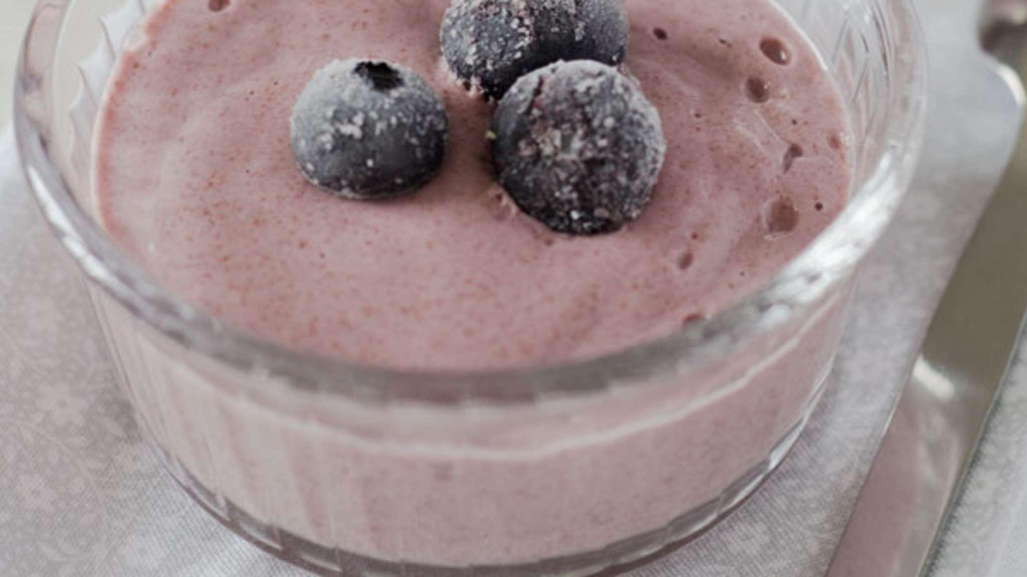 Crème aux fraises, myrtilles et aux graines de chia