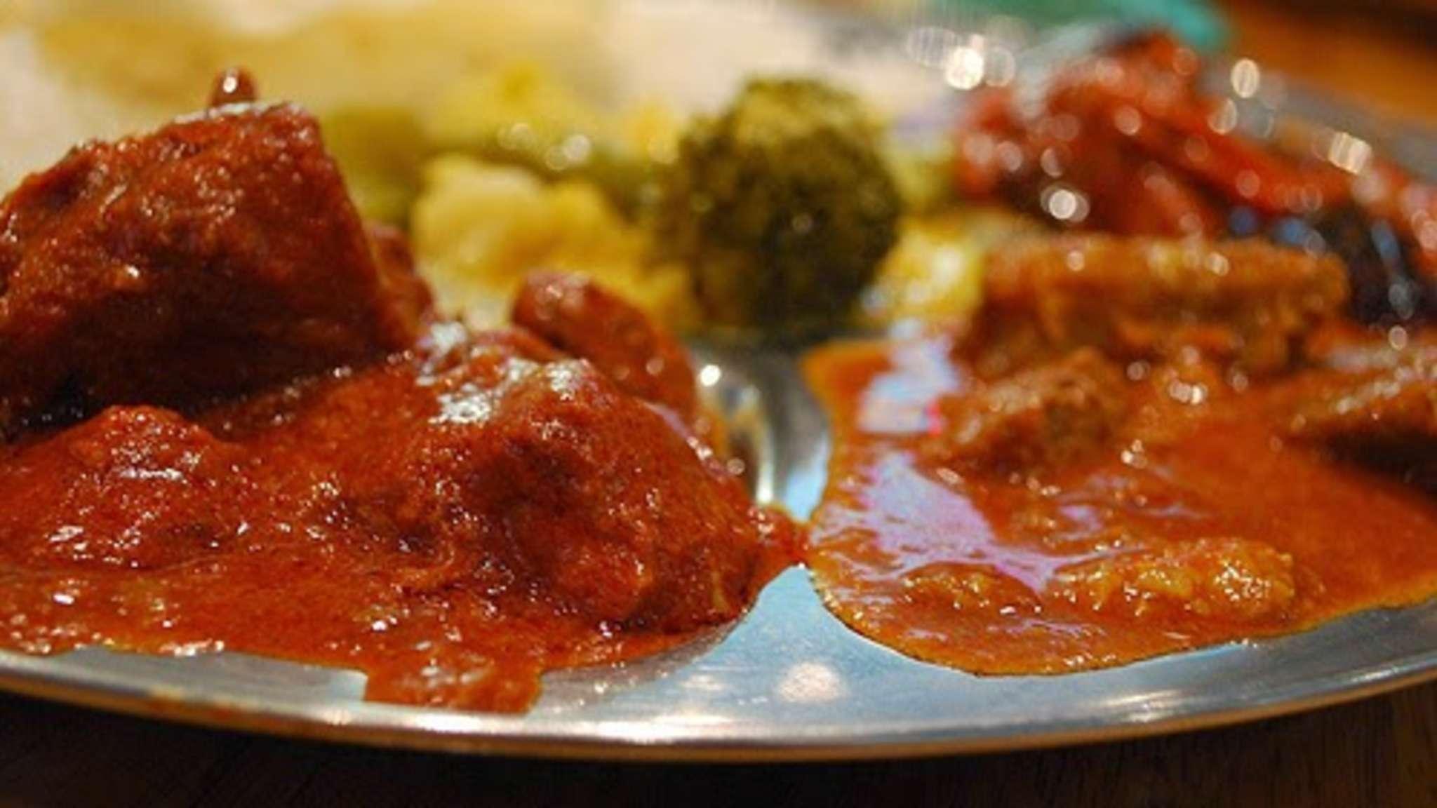 Curry de boeuf buhna, plat traditionnel du Ramadan (Bangladesh)