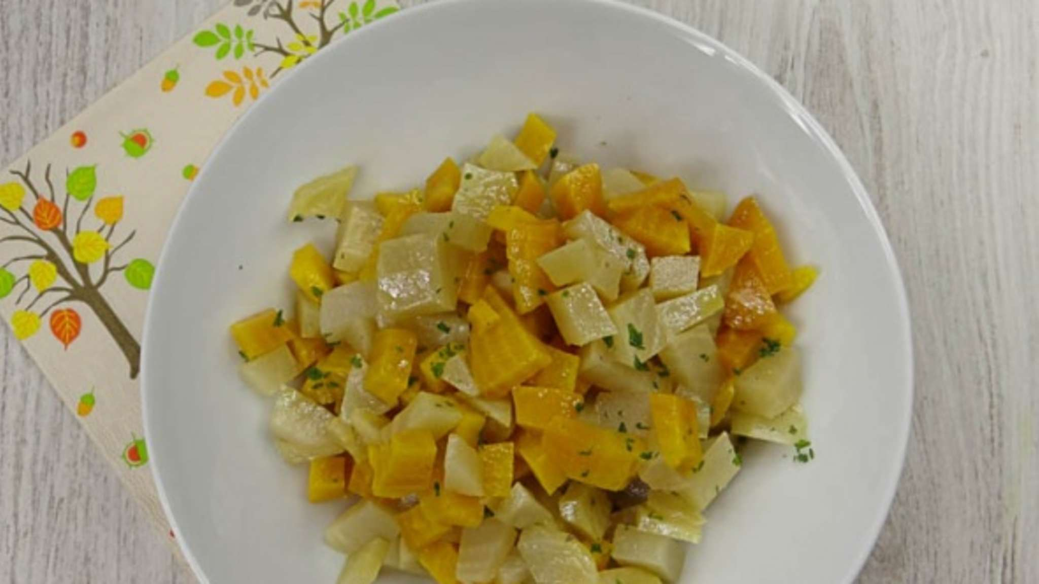 Salade de betteraves jaunes et blanches