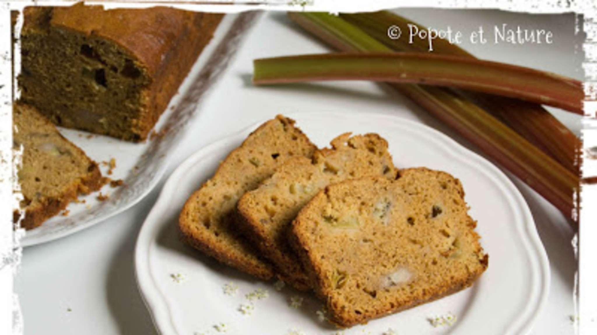 Banana bread à la rhubarbe vanillée