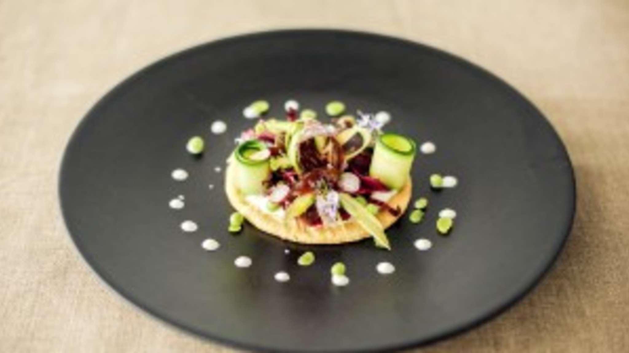 Tarte fine printanière, caviar de Wagy
