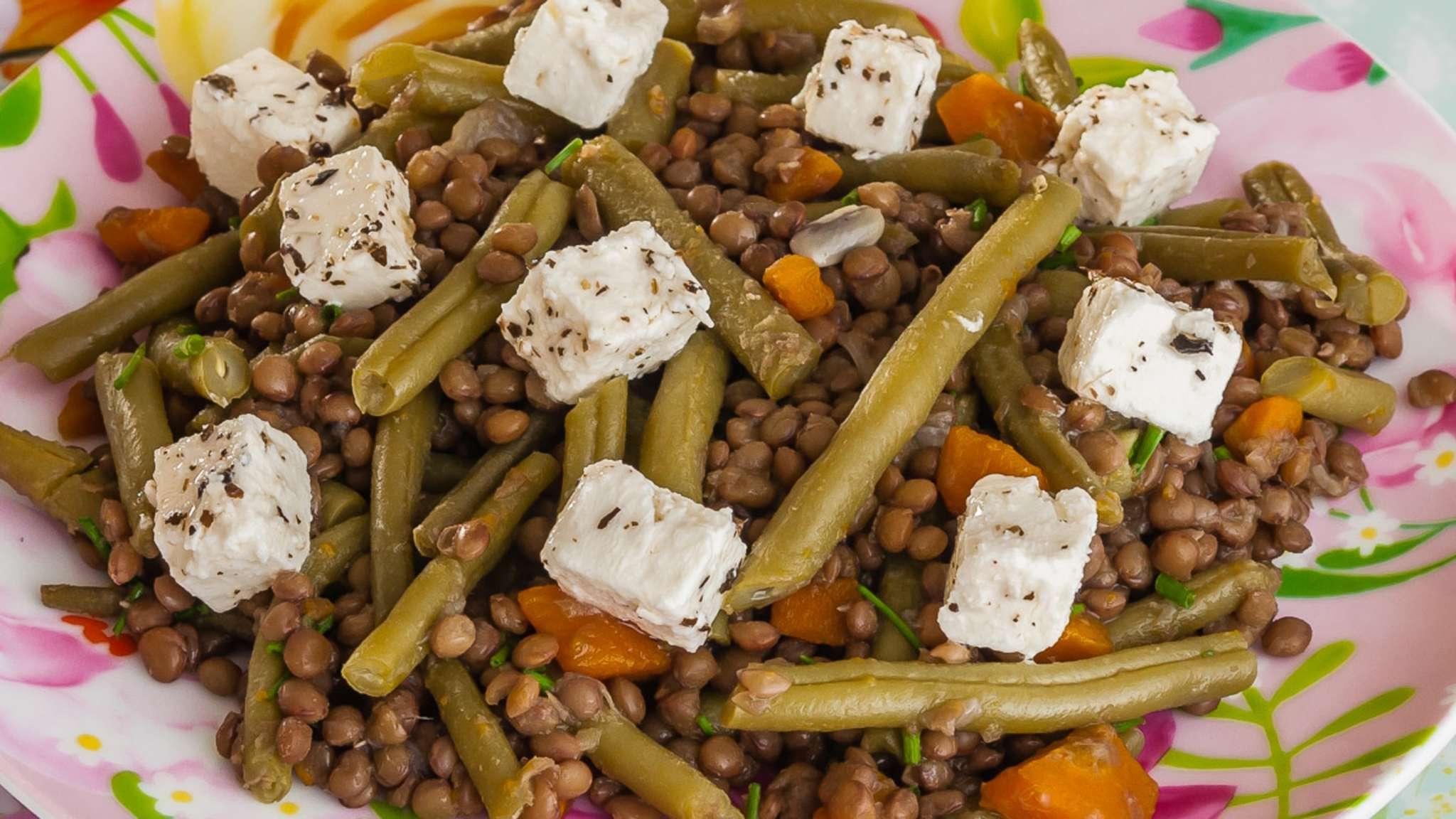 Salade de lentilles aux haricots verts et à la fêta