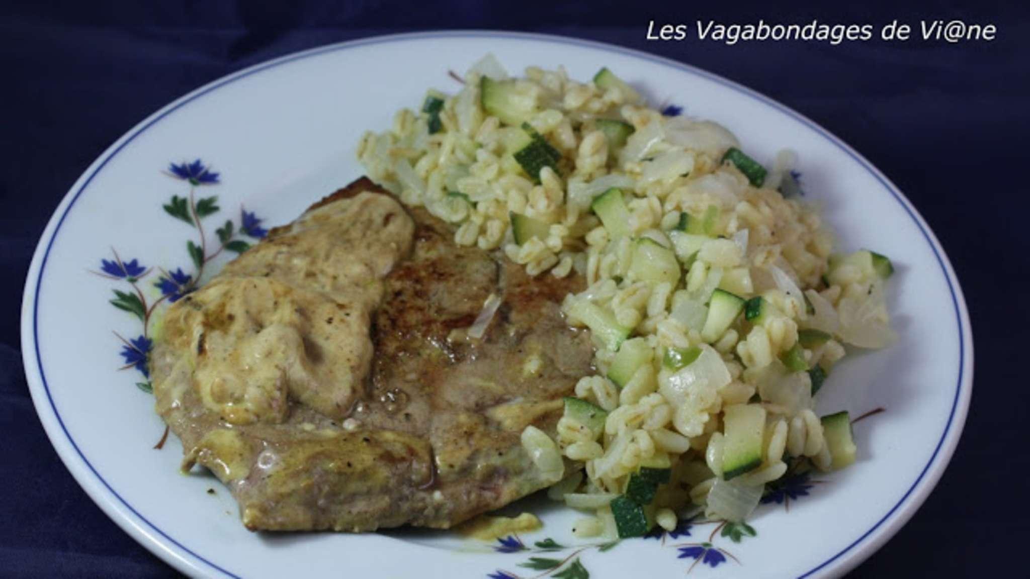 Foie de veau, sauce crème-moutarde, blé aux courgettes et piment