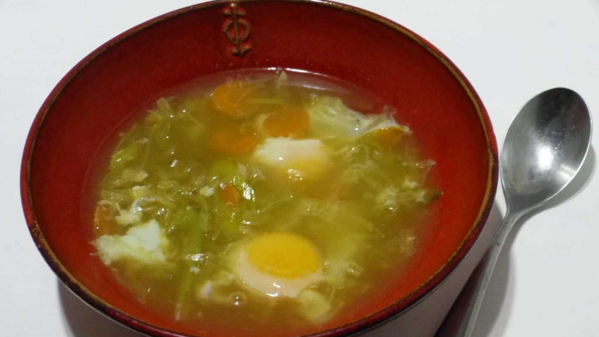 Soupe aux oeufs mollets, poireaux et safran