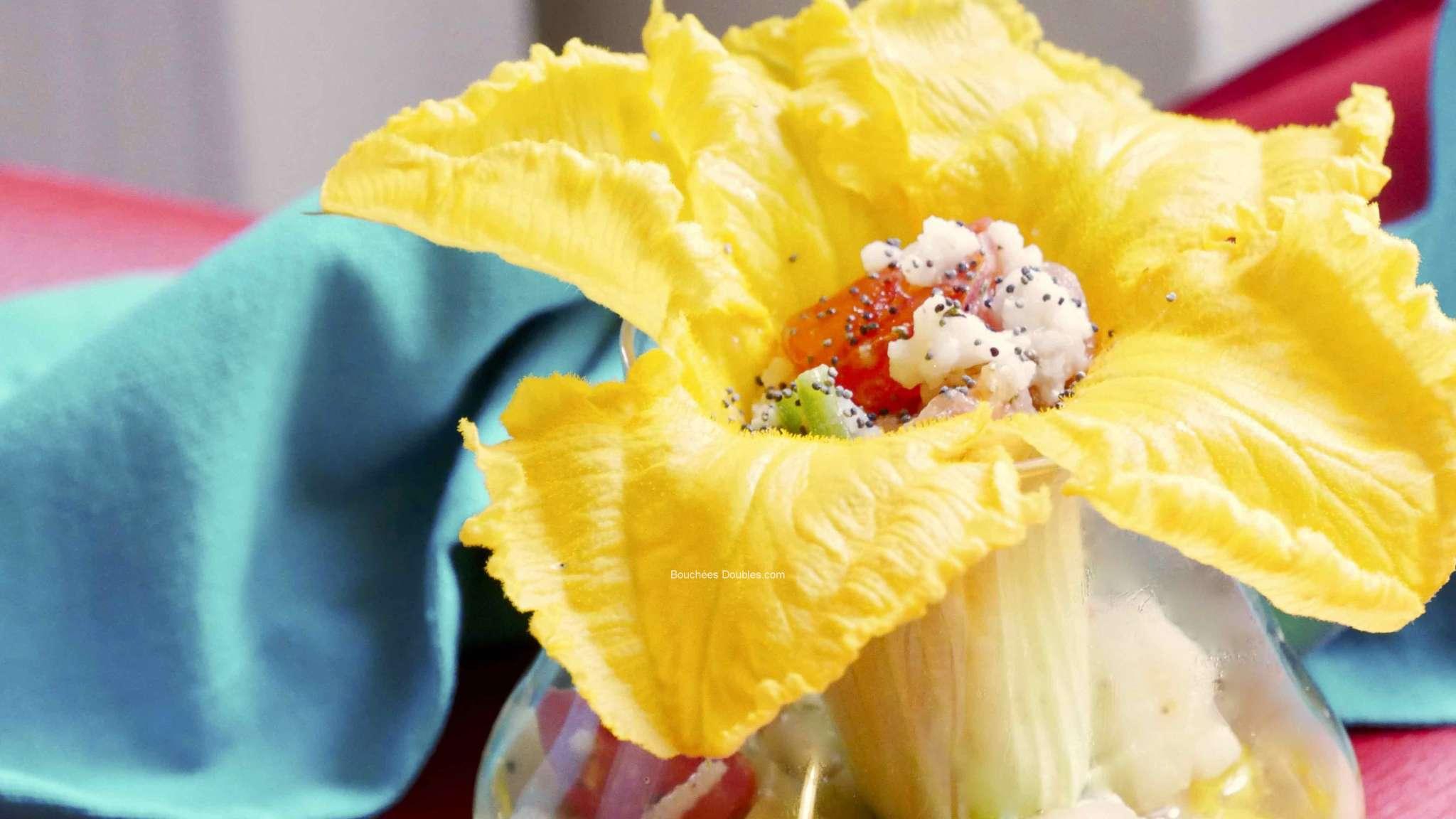 Fleur de courgette crue farcie