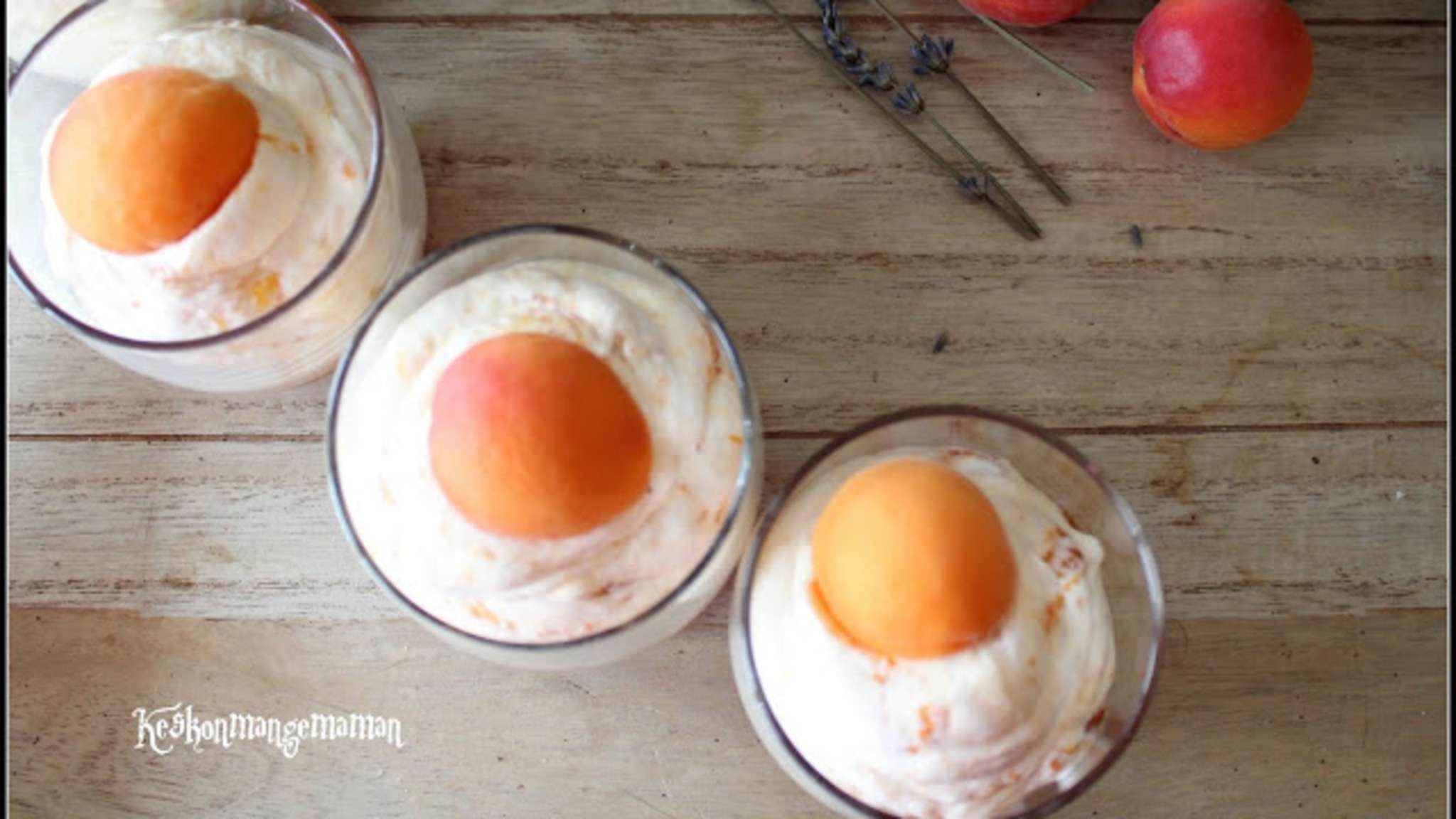 Verrine de mousse abricot et lavande