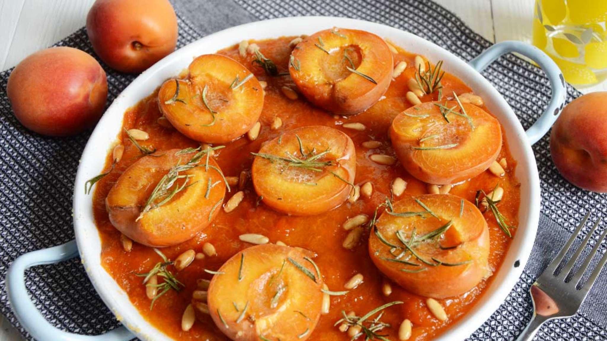 Cake abricot romarin pignons façon clafoutis