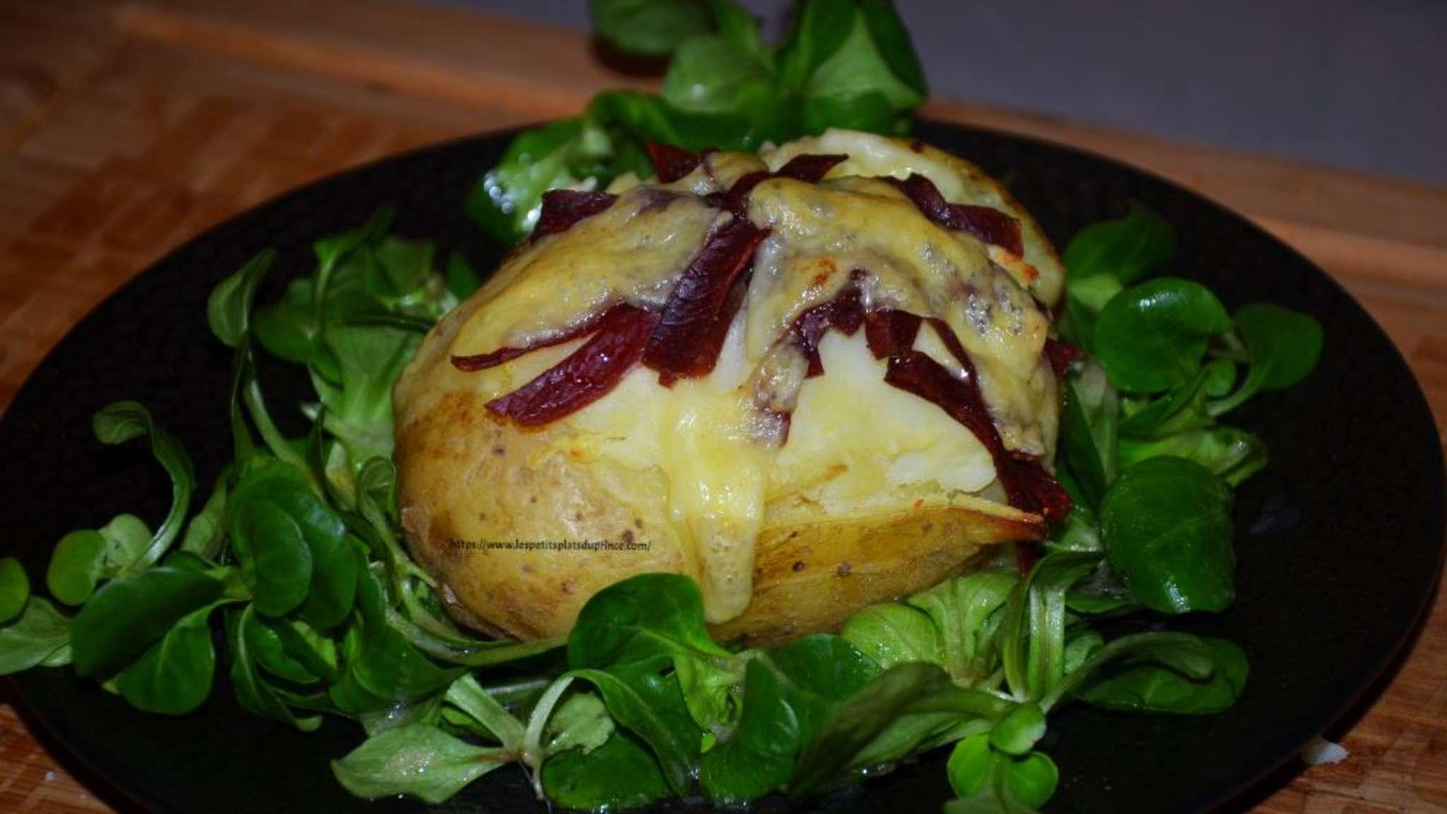 Pomme de terre farcie façon raclette