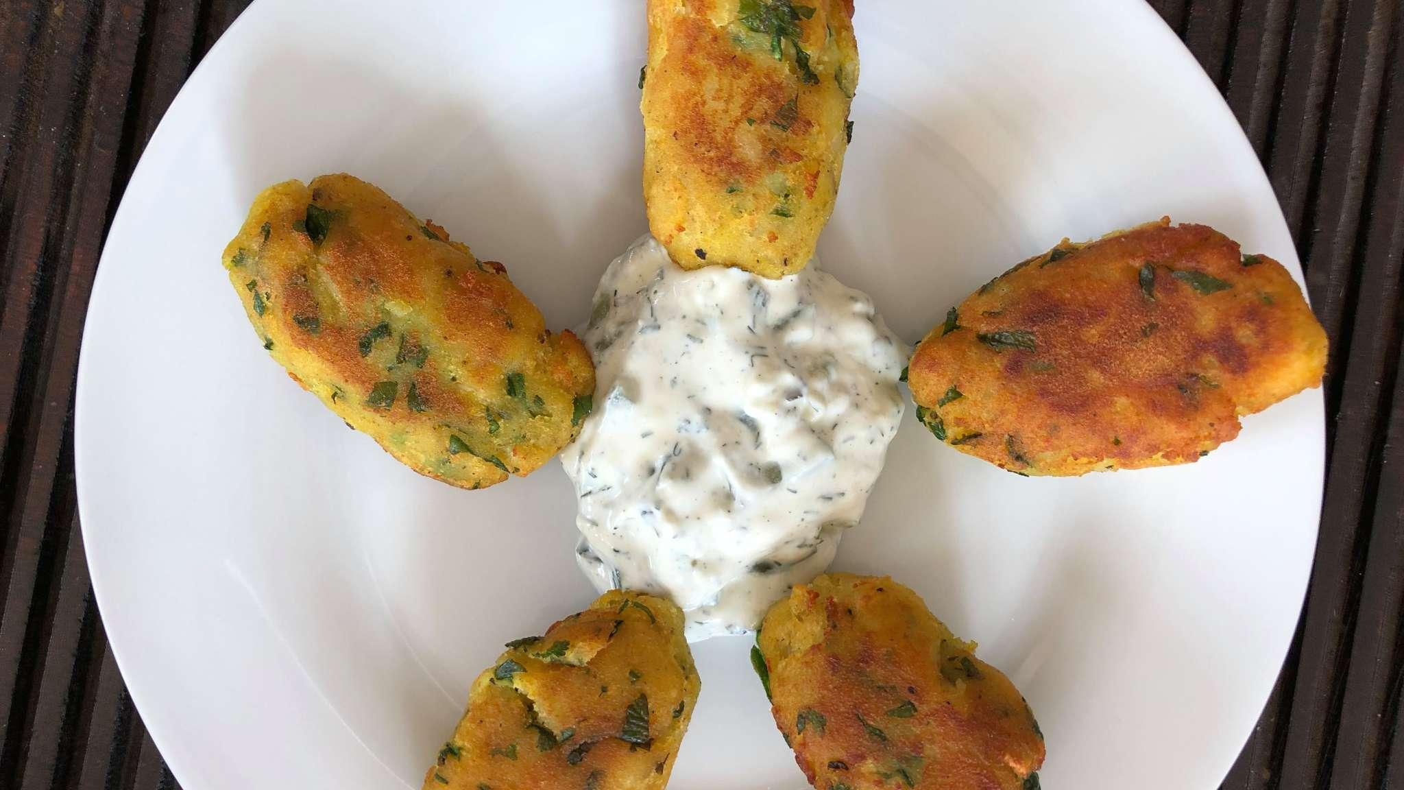Beignets de pommes de terre et pois chiche à l'indienne