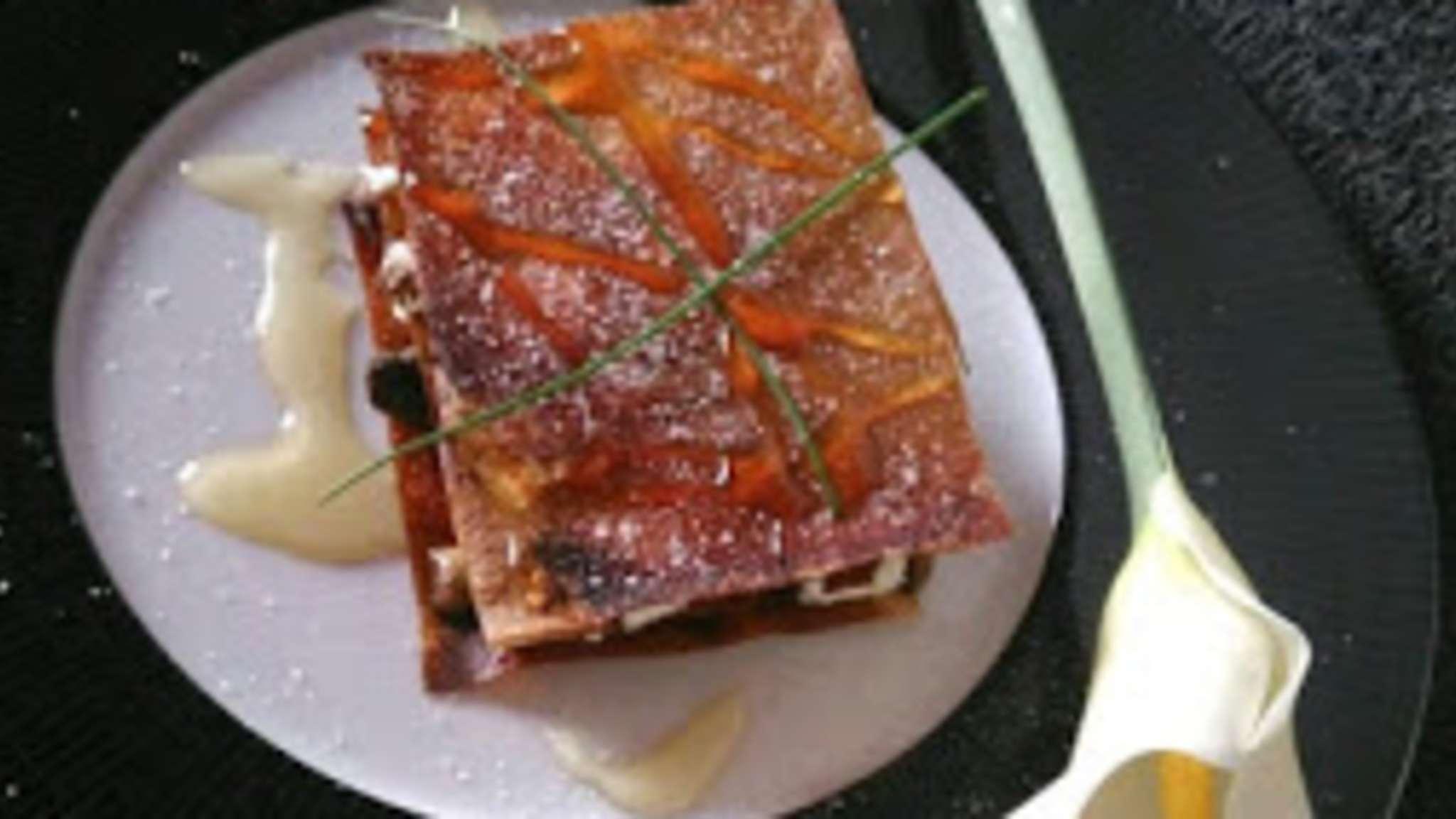 Mille-feuilles croustillant champignons chèvre et miel