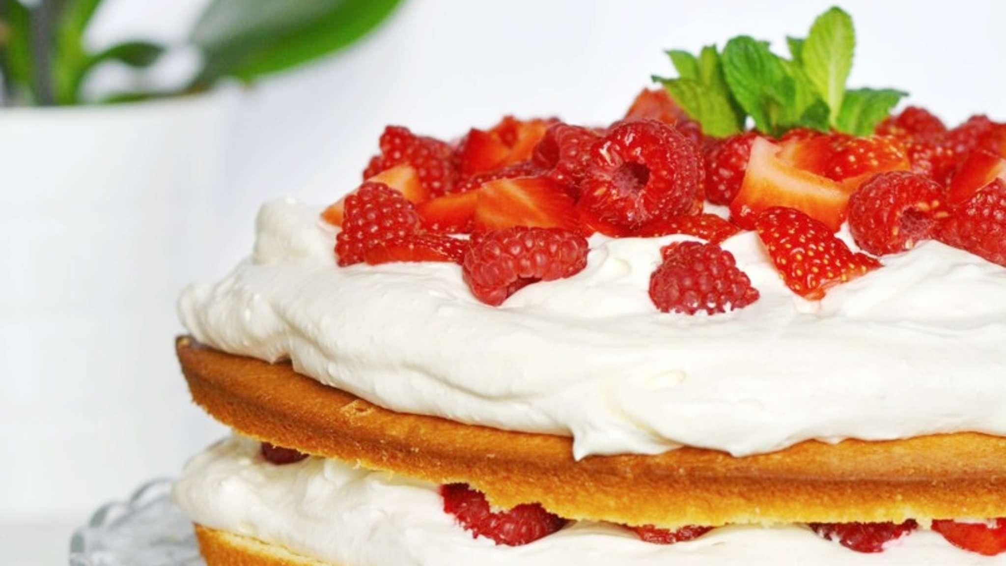 Gâteau moelleux vanille et fruits rouges