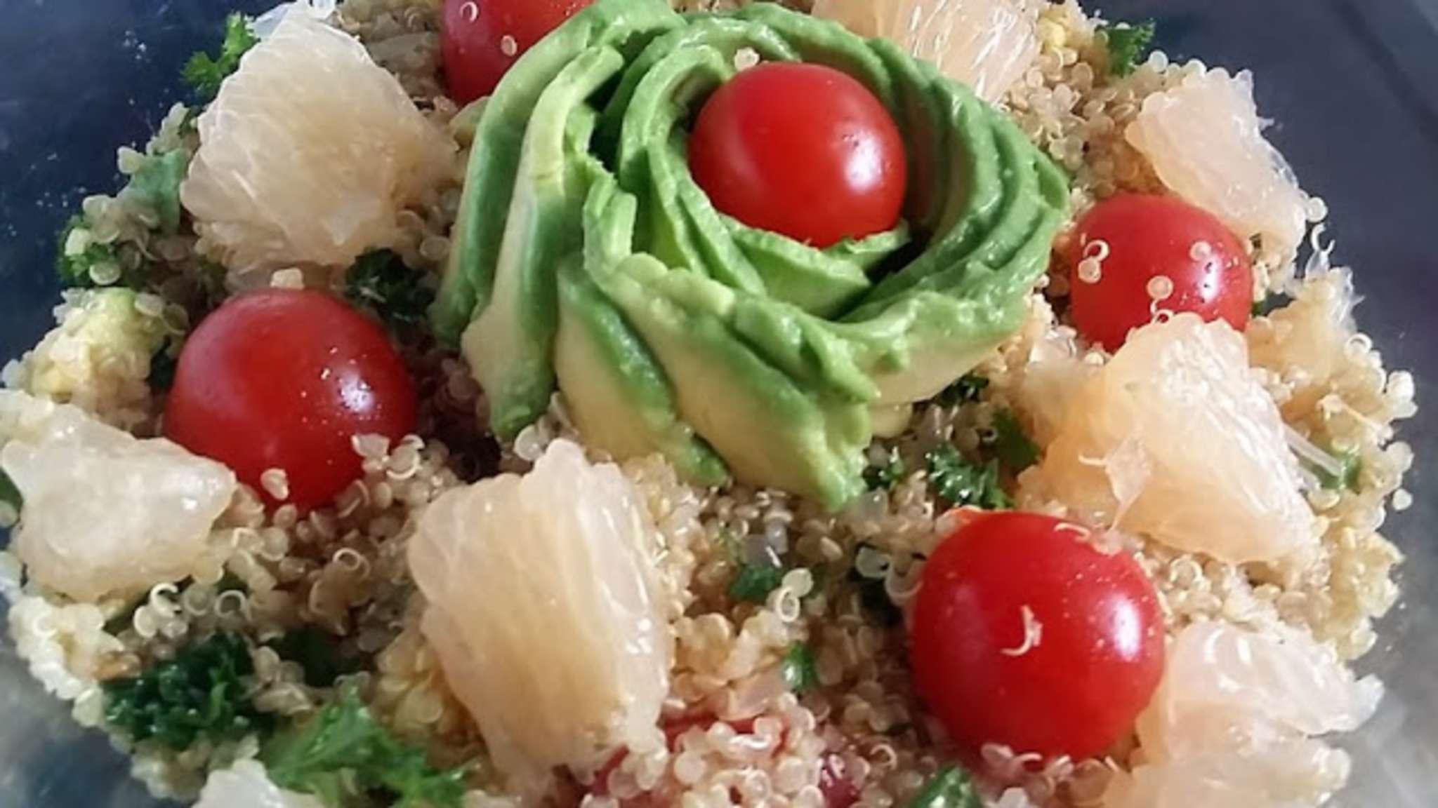 Salade tanzanienne aux quinoa,avocat et pamplemousse