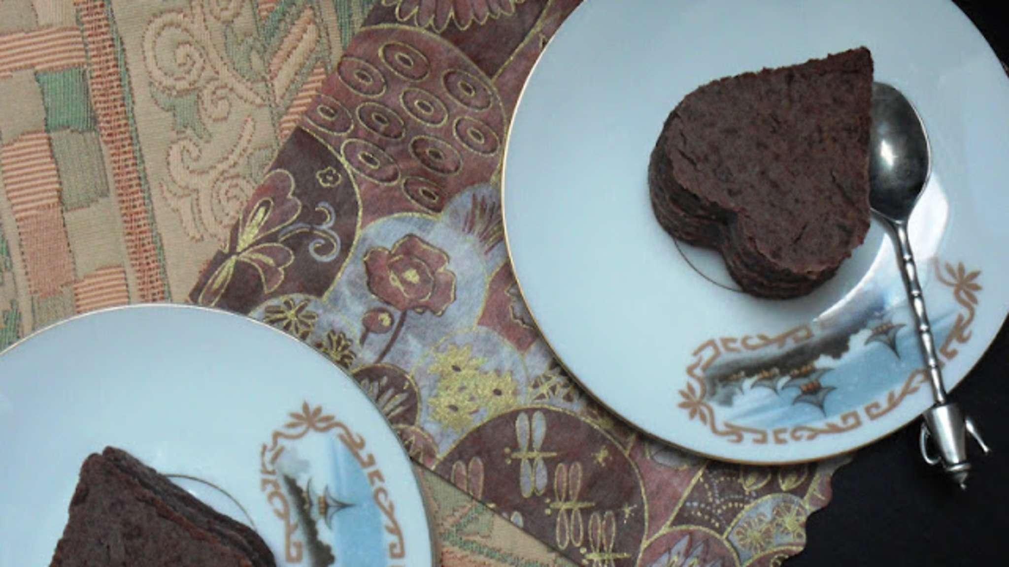 Petits gâteaux en forme de cœur avec pâte de haricots azukis