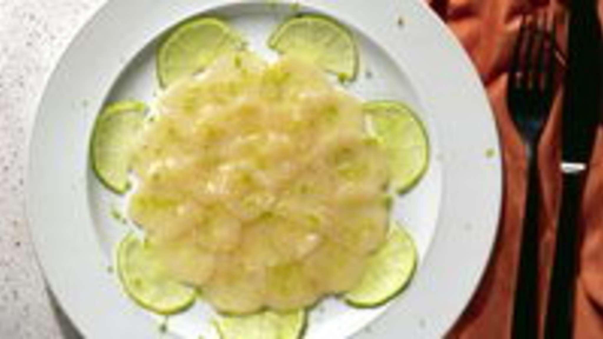 Carpaccio de saint-jacques au citron vert