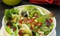 Salade de fenouil à la grenade, kiwi et pistaches {sauce au yaourt}