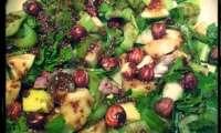 Salade de céleri aux pommes, noisettes et miel
