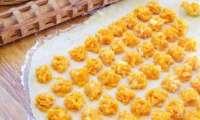 Raviolis de courge à la sauce aux noix