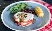 Rôti de dinde farci aux cranberries et à la pistache