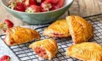 Chaussons rhubarbe et fraises