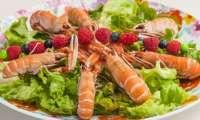 Salade de langoustines aux fruits rouges