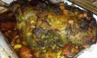 Gigot d'agneau aux 1001 épices, tomates, ail et vin blanc