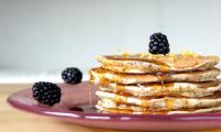 Pancakes au yaourt, citron et graines de pavot