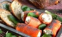 Rouleaux de truite fumée au Chavignol frais et graines de pavot