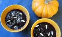 Bave de chauve-souris aux asticots ou compote de myrtilles
