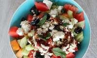 Salade d'été melon, pastèque, concombre et feta