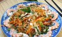 Salade de tiges de lotus aux crevettes