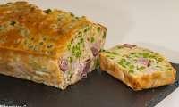 Cake au jambon, mozzarella et petits pois