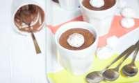 Crèmes au chocolat et petites meringues