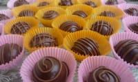 Chocolats croustillants à la noix de coco pour Pâques
