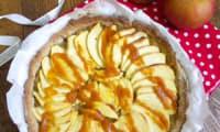 Tarte sablée au sarrasin, pommes et caramel pommes-calvados