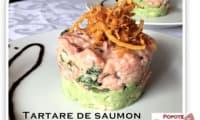 Tartare de saumon, crème fraîche et basilic et croustillant de patates douces frites