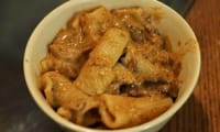 macaronis aux échalotes, vin blanc et jambon cru, plat unique