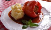 Poivrons farcis aux lentilles, tomates et carottes