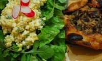 Salade à la crème aigre et aux oeufs durs