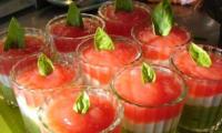 Verrine fraîcheur, tomates, courgettes et saveur marine