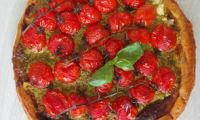 Tarte aux tomates grappes et pesto