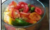 Salade de tomates anciennes huile d'olive au basilic