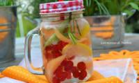 Eau aromatisée au melon, groseilles rouges et citron
