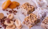 Barres riz soufflé sans gluten, dulcey et abricots moelleux